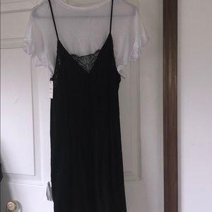 CUTE T-SHIRT/DRESS BRAND NEW